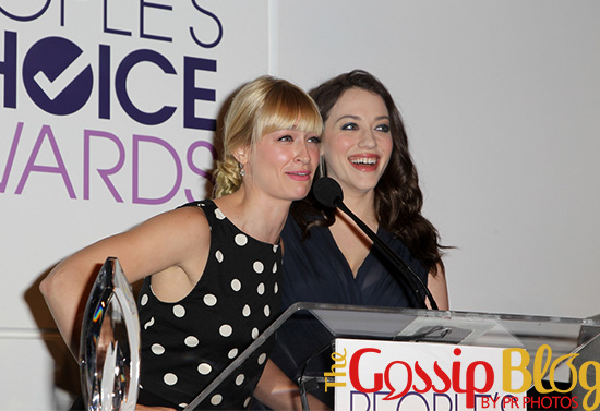 Beth Behrs and Kat Dennings 1