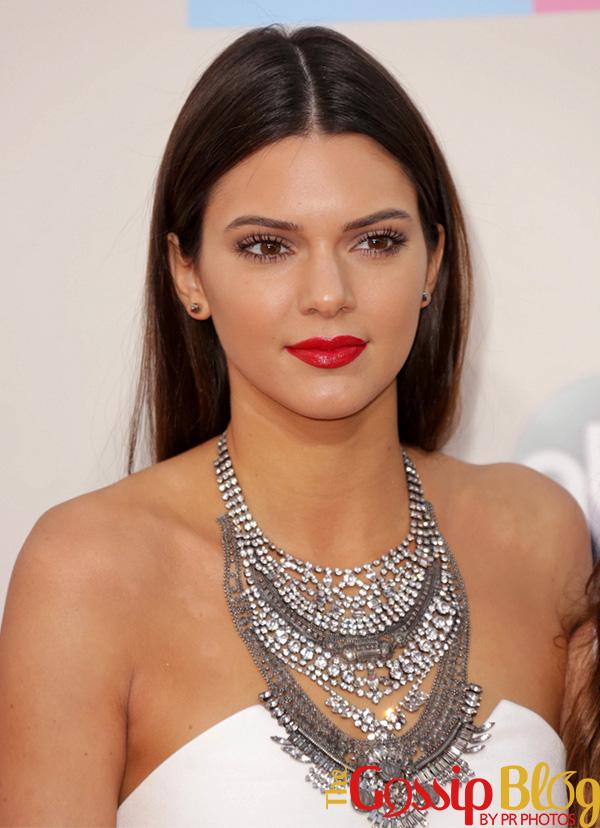 Kendall Jenner at 2013 AMAs