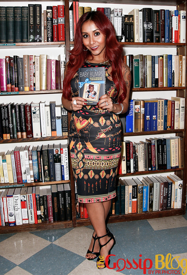 Nicole Snooki Polizzi's Baby Bumps Book Signing