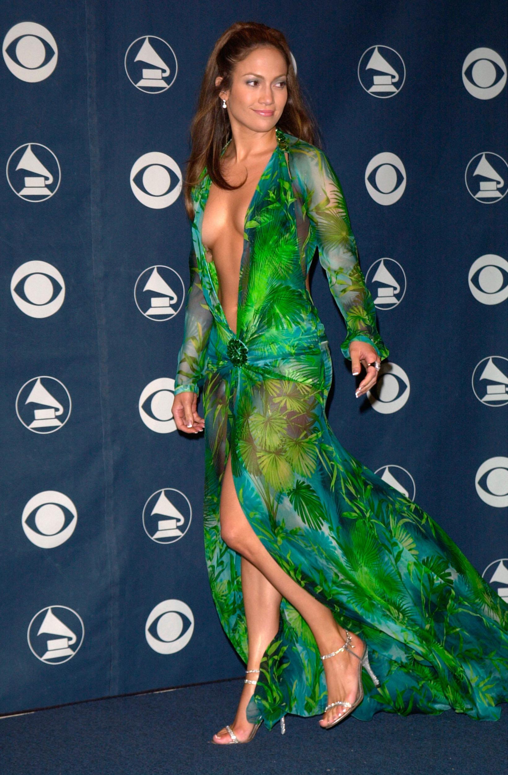 jlo 2000 grammy dress