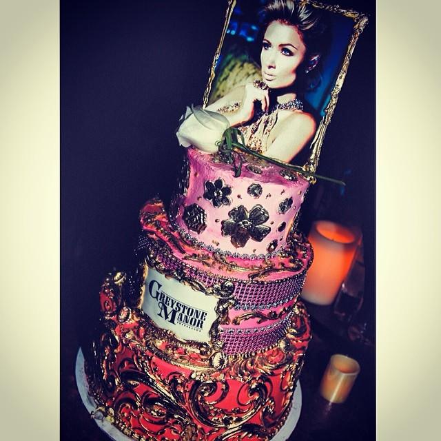 paris hilton birthday cake