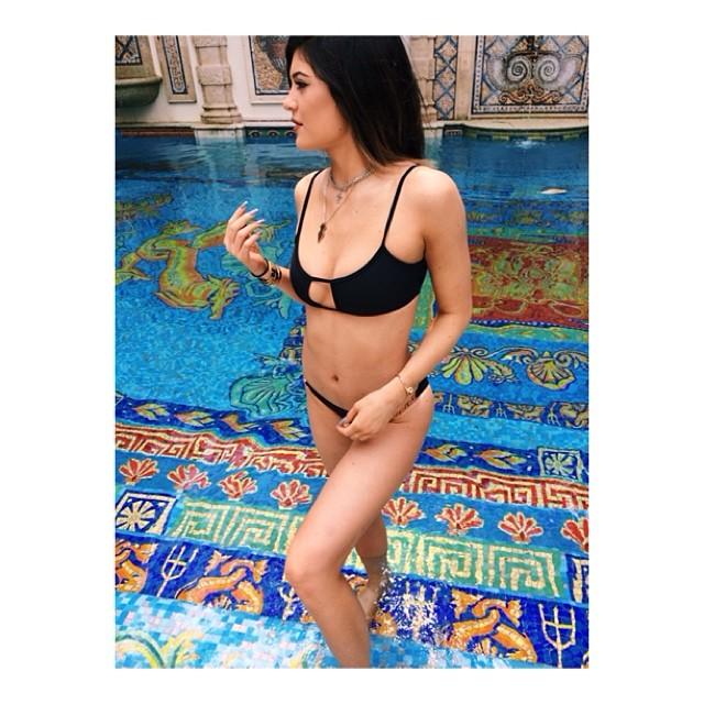 Kylie Jenner bikini photo