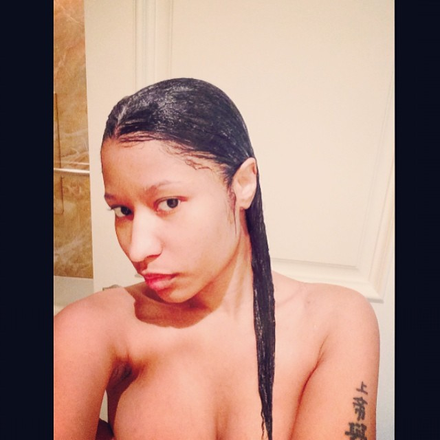 nicki minaj makeupless naked shower photo